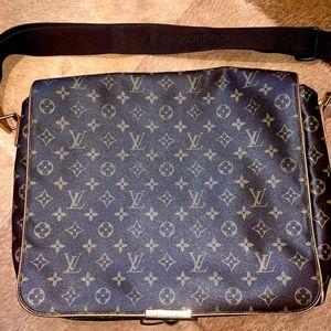 Louis Vuitton messenger crossbody LV monogram bag